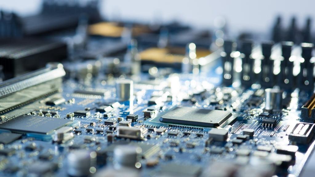 افزایش تعداد پردازنده های سرور 1 یونیت